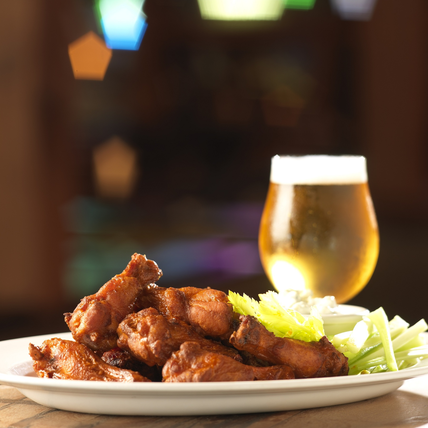 Recipes With Chicken Fingers: Chicken Wings: The Ultimate Beer & Food Match